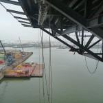 Onderhoudswerkzaamheden uitvoeren onder een heli-deck