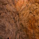 Karel met rechts boven hem de route Rouge Berberes