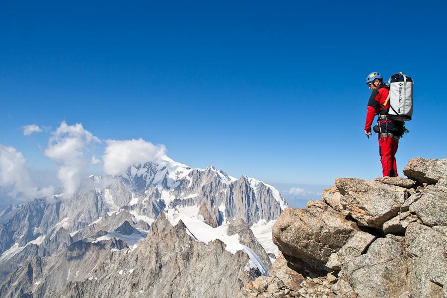 Jefta op de top vd Whymper met op de achtergrond de Mt. Blanc
