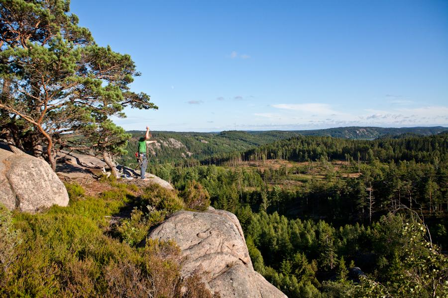Rutger na het beklimmen van Villskud in het gebied Välseröd.