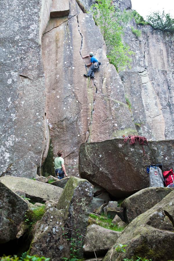 Niek in de route Ein liten bit granit till toppen (6-).