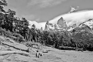 De 3405 m hoge Cerro Fitz Roy (rechts) en zijn buurman Poincenot (links).