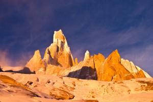 De Cerro Torre in het prachtige ochtendlicht tijdens een beklimming van El Mocho in 2014.